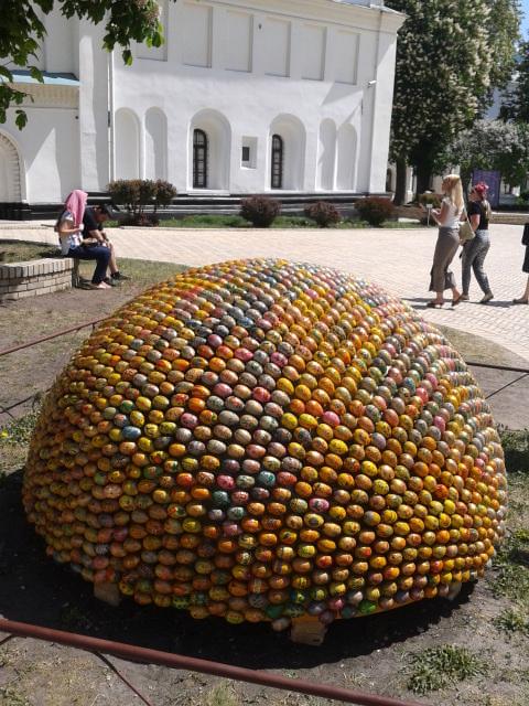 Киево-Печерская Лавра. Нечтоиз  пасхальных яиц.